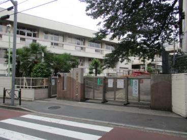 調布市立滝坂小学校の画像2