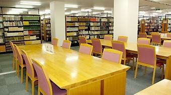 中央図書館の画像1