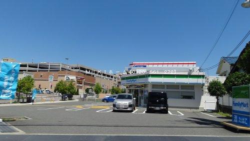ファミリーマート 箕面西宿の画像