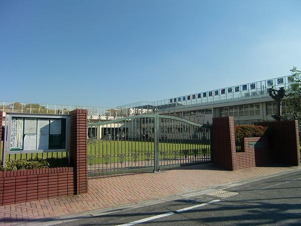 中野区立江原小学校の画像