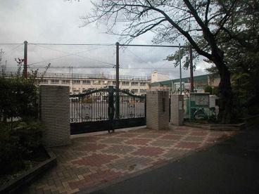 中野区立新井小学校の画像3