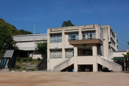 岸和田市立 東かつら城小学校の画像1