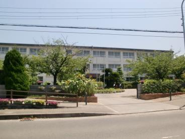 貝塚市立 第一中学校の画像1