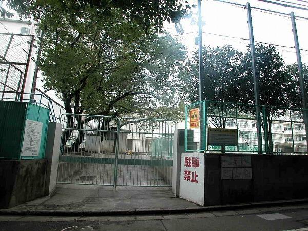 杉並区立杉並第一小学校の画像