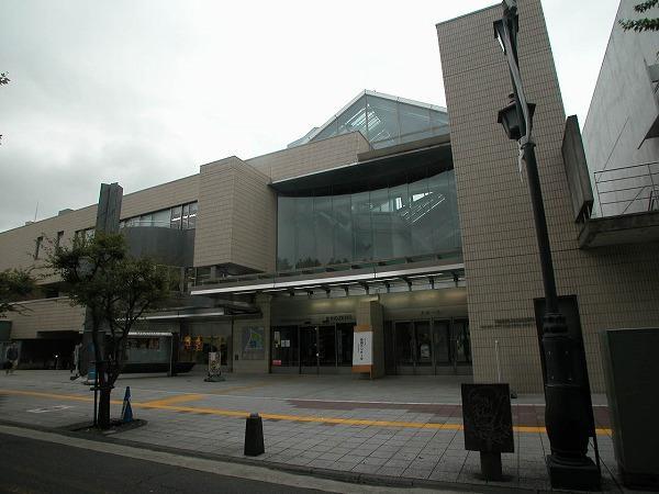 中野区立中央図書館の画像