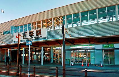 ファミリーマート JR吉塚駅店の画像1