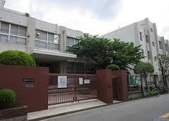 大阪市立放出中学校の画像
