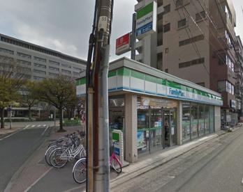 ファミリーマート・福岡県庁前店の画像1