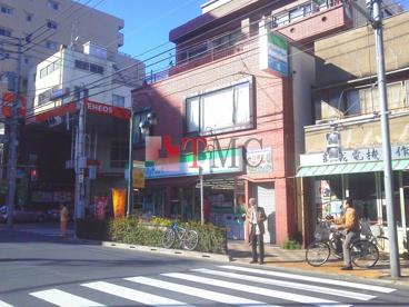 ファミリーマート東日暮里六丁目店の画像4
