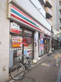 セブンイレブン日暮里駅北店の画像5