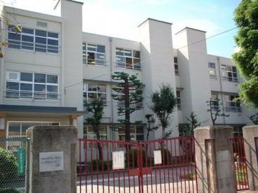 学文中学校の画像1