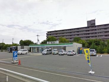 ファミリーマート貝塚港北店の画像1