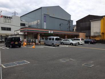 セブン−イレブン門真岸和田1丁目店の画像1