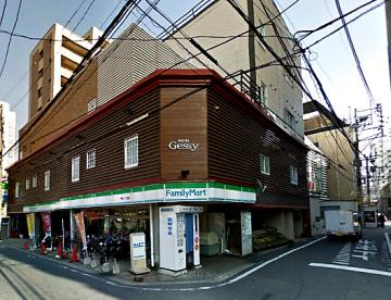 ファミリーマート 今泉1丁目店の画像1