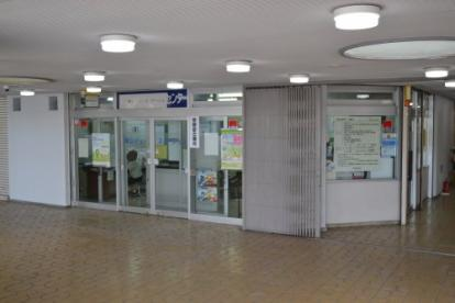 寝屋川市役所 東市民センターの画像1