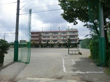 戸田市立新曽小学校の画像1