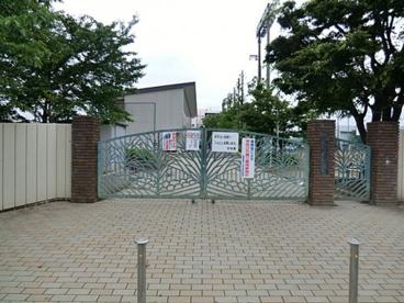 戸田市立新曽中学校の画像1