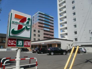 セブン−イレブン 札幌南6条西18丁目店の画像1