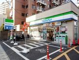 ファミリーマート 北小金駅前店