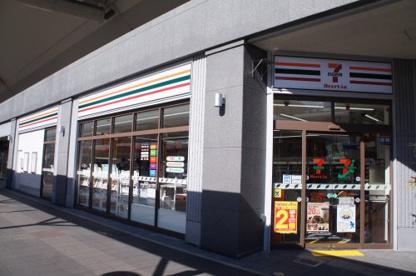 セブンイレブン三田駅前店の画像1
