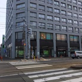 北海道銀行・行啓通支店の画像1
