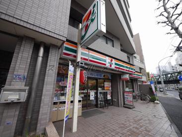 セブンイレブン平沼中央店の画像1