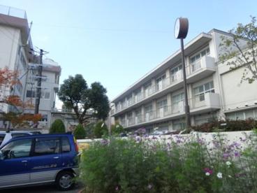 宝塚市立長尾中学校の画像1