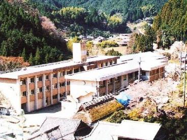 鞆渕中学校の画像2