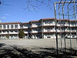 調布市立染地小学校の画像1