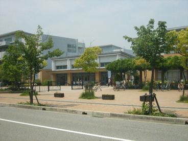 市立西宮浜小学校の画像1
