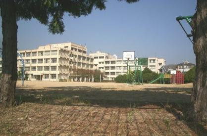 市立段上西小学校の画像1