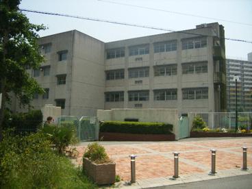 市立鳴尾南中学校の画像1