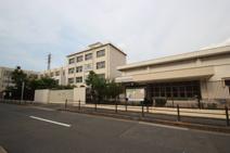 鶴見小学校