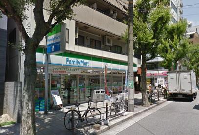 ファミリーマート・釣鐘町店の画像1