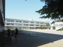 白岡市立菁莪小学校