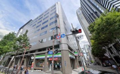 ファミリーマート大阪淡路町店の画像1