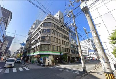 ファミリーマート久太郎町三丁目店の画像1