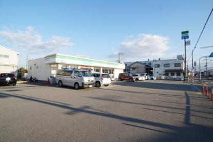 ファミリーマート宝塚御所の前店の画像1