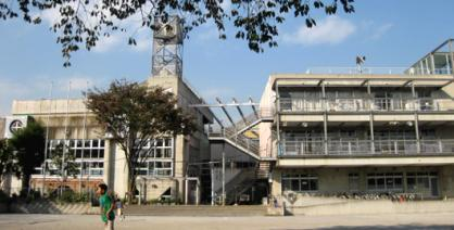 杉並区立 杉並第四小学校の画像1
