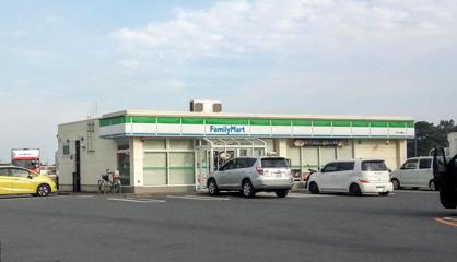 ファミリーマートTKS下栢間店の画像1