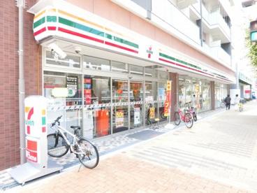 セブンイレブン東大阪長堂1丁目店の画像1
