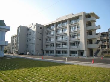 沖縄工業高校の画像1