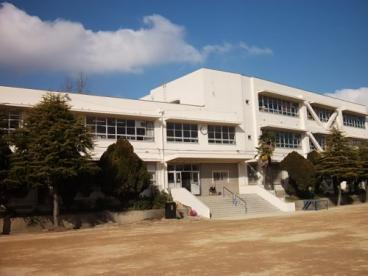 泉佐野市立小学校 長坂小学校の画像1