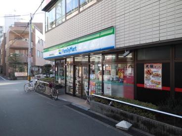 ファミリーマート阪急高槻市駅前の画像1