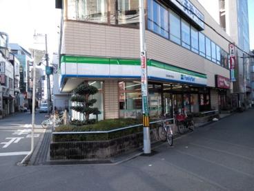 ファミリーマート阪急高槻市駅前の画像2