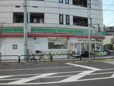 ローソンストア100足立鹿浜店の画像1