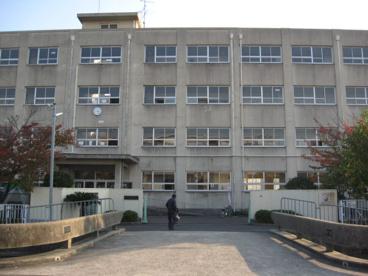 高槻市立芝生小学校の画像1