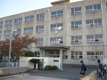 高槻市立芝生小学校の画像3