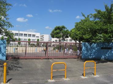 高槻市立富田小学校の画像1