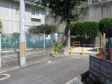 日吉台六番町つばき児童遊園の画像1